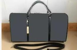 2019 klassische taschen Hochwertige klassische Mode Seesäcke Männer Reisen Taschen große Kapazität Reisetasche Gepäck über Nacht Weekender Tasche Keepall 54CM rabatt klassische taschen