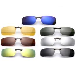 Occhiali da sole visione notturna clip online-50pcs occhiali da sole delle donne degli uomini nuovi lente polarizzata clip-on clip flip-up su occhiali da sole occhiali per la visione notturna occhiali clip 10 colori