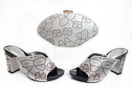 Nouveau mode argent femmes chaton chaussures à talons avec décoration strass chaussures africaines correspondent sac à main ensemble pour robe X20 ? partir de fabricateur