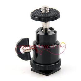 подставка для фотоаппарата Скидка 360 Degrees Mini Hot Shoe Ball Head Camera Flash Light Stand Tripod Bracket Holder 1/4''
