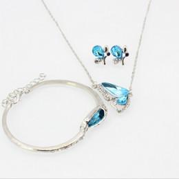Argentina 3 unids un conjunto de diamantes de imitación collar de mariposa de cristal pendiente de la pulsera para mujeres y niñas envío gratis Suministro