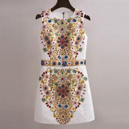 Disegno del tessuto del vestito online-Abito da donna di lusso di design runway o-collo senza maniche gemma strass tessuto jacquard tessuto di alta qualità vestito dal carro armato SMLXL