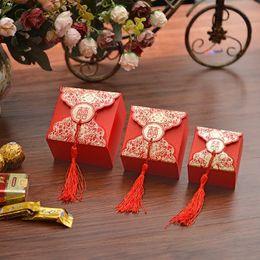 hochzeitsgeschenke doppeltes glück Rabatt Chinesische Hochzeit Pralinenschachtel Red Double Happiness Square Kraftpapier Hallo Wort Blume Blossom Print Schokolade Tasche Party Geschenk Dekor jc-065