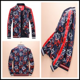 Wholesale high fashion clothing for men - 2018 High quality autumn red blue fashion designer luxury brand jacket for men striped hooded jackets coat women clothing Outerwear