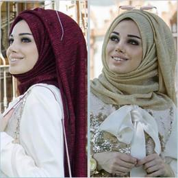 Bufanda de oro liso online-Musulmana bufanda Color sólido Paño Moda Hijab Oro Alambre Pliegue Liso Hijab Lentejuelas dama niñas musulmanes mercancías muchos colores puros ofrecen elegir