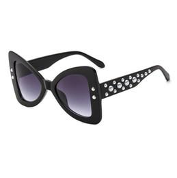 Wholesale sexy lens - 2018 Butterfly Sunglasses Brand Designer Luxury Pearl Retro Cat Eye HD Lens Glasses Sexy Vintage Fashion Gradient Eyeglasses