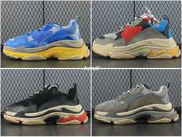Wholesale Man S High Boots - Triple S Men and Women Retro Running Shoes Mens Shoes 17FW Triples High Quality Fashion Boots Sports Sneakers Triple S Woman's Sport Boost