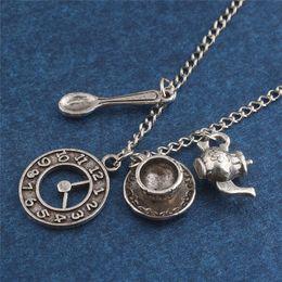 Canada Aventures de film Alice au pays des merveilles collier argent antique tasse à café montre théière cuillère pendentif colliers pour les fans cadeau supplier silver spoons antique Offre