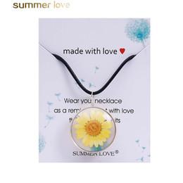 Moda Gerçek Kuru Ayçiçeği Kolye El Yapımı Doğal Daldırma Daisy Kolye Kadınlar Hediye DIY Takı Aksesuar Halat Kazak Zinciri cheap hand made necklaces for women nereden kadınlar için kolyeler tedarikçiler