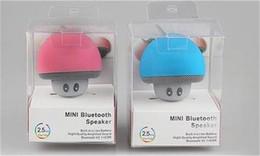 2019 mini fungo wireless 2018 Fashion Mushroom Wireless Mini Speaker Bluetooth Altoparlante portatile impermeabile Bluetooth stereo per telefono cellulare con pacchetto di vendita mini fungo wireless economici