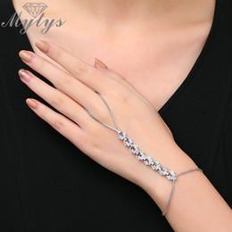 braccialetti di schiavo di modo Sconti Mytys High Level Noble Zircon Fashion Slave Bracciale Bracciale regolabile in argento con catena a maglie a forma di dorso di mano, gioielli in palma R1968