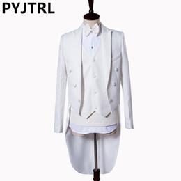 Fatos de tailcoat on-line-PYJTRL Mens Clássico 5 Peças Set Branco Black Swallowtail Tuxedo Cantor Masculino Palco Magia Piano Desempenho Tailcoat Ternos De Casamento