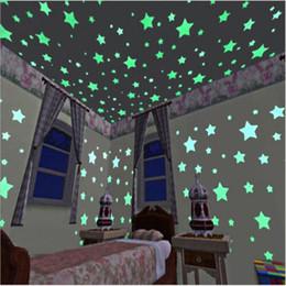 brillan los juguetes oscuros para los niños Rebajas 10 bolsas / 1000 unidades Fluorescente Luminoso Dormitorio Niños Cuartos de Almacenamiento Star Baby Children Brillan en la Oscuridad Etiqueta Engomada Adhesiva Juguetes Pegatina