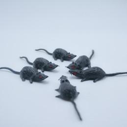 Divertenti giocattoli falsi online-100 pz / lotto April Fools 'Day Party Joke Simulazione Mouse Puntelli Festa di Halloween Falso Mouse Strumento Per Bambini Festa Divertente Decorazione Giocattolo