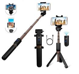 plastik-selbststöcke Rabatt Neuer Bluetooth Selfie Stick Professioneller ausziehbarer Stativständer für iPhone XR XS Smartphone-Kameras mit abnehmbarer drahtloser Bluetooth-Fernbedienung