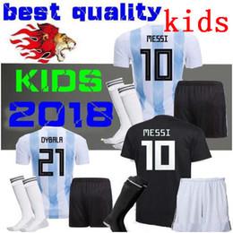 niños Argentina Fútbol Jersey HOGAR Y distancia 2018 Argentina NIÑOS KIT  COMPLETO NIÑOS camiseta de fútbol CON CALCETINES Messi Agüero Fútbol  infantil Niño ... 90190814f6428