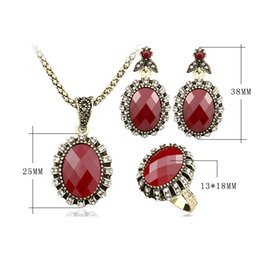 Wholesale Earring Golden Heart - Jewelry Sets Wholesales - Chocker Ring Chandelier Sets Vintage Red Resin Golden Plated Necklaces Pendants Resin Dangle Earrings