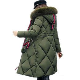 Longues manteaux de parka d'hiver en Ligne-Manteau d'hiver de grande fourrure parka épaissie femmes couture mince manteau d'hiver bas coton dames bas parka doudoune femme 2018