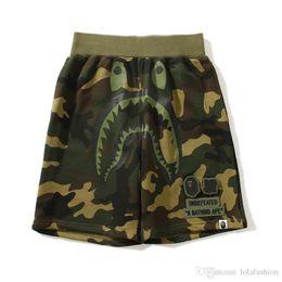 Pantalones negros altos online-Pantalones cortos de Hip Hop Camo Shorts para amantes Hot Shark Head para hombres Pantalones cortos de playa Camo negros Talles M-2XL