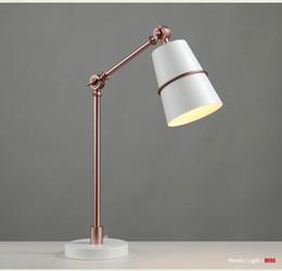 le luci scandinave dell'ufficio principale Sconti Lampada da tavolo moderna lampada da tavolo creativa scandinava per soggiorno camera da letto lampada da scrivania in ferro battuto occhio lettura