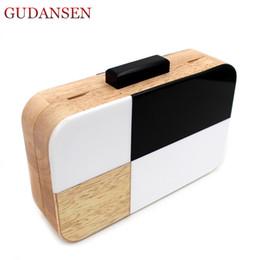 bolsos hechos a mano blanco negro Rebajas GUDANSEN Bolso de embrague de acrílico negro y blanco Diseñador de madera hecho a mano de mujer bolso de noche Bolso de mujer Crossbody HK112