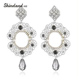 ingrosso Accessori moda Vintage lega di cristallo Hollow intagliato Grande goccia ciondola l'orecchino per le donne Orecchini Bijoux da