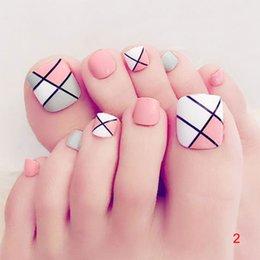 2018 New Hot 24 Pcs Set Fresh Summer Style 3d Toe Fake Nails Foot Full Toes Nail Art Tips Uñas Falsas Con Pegamento Para Lady Girl