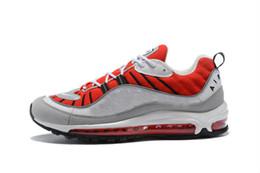 49ade7b3ac1 Venda quente Da Moda 98 Gundam Sports Running Shoes 98 s Branco Azul  Vermelho Preto Ao Ar Livre Athletic Sneakers Frete Grátis