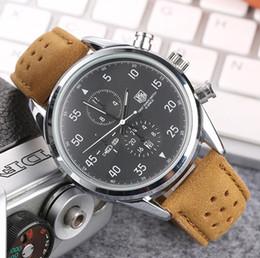 Famosas marcas de relojes de pulsera online-2019 Famosa Marca de Moda de Lujo Relojes Para Todos Los Hombres Cuarzo - Reloj Correa de Cuero Reloj de pulsera de Negocios Relojes de pulsera Regalo de Navidad Relógio