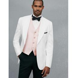 tuxedos rosa bianco grooms Sconti Abiti da uomo bianco moda con gilet rosa chiaro Abiti da uomo bello sposo uomo smoking da smoking (giacca + pantaloni + gilet)