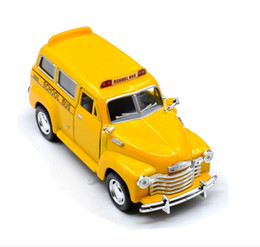 Wholesale Diecast Bus Toy - High simulation Chevrolet school bus 1:36 scale alloy pull back children\'s toy car diecast metal model toys 2 open the door