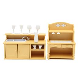 Conjunto de móveis em miniatura on-line-Miniaturas armários de cozinha conjunto de bonecas enfeites de mobiliário de casa crianças brinquedo bonecas de presente para quarto de crianças em casa decoração brinquedos