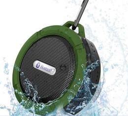 Недорого bluetooth-радио онлайн-Дешевые цена Bluetooth 3.0 беспроводные колонки водонепроницаемый душ C6 динамик с 5W сильный драйвер длительный срок службы батареи много цветов