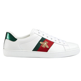marcas de calçado casual para homens Desconto Barato Verde Vermelho Tarja Senhora Conforto Casual Sapato Mulheres Homens Marca Rebites Flats Sapatos Tecelagem Couro Preto Abelha Na Moda Sapatos Casuais