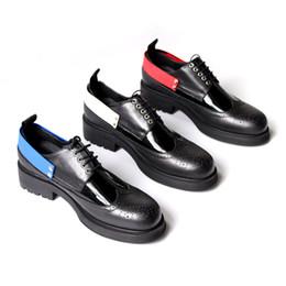 2019 männer dicke fersenkleidschuhe Geschnitzte Brogue Shoes Men Kuh Leder handgefertigt schwarz dick Ferse Kleid Oxfords günstig männer dicke fersenkleidschuhe