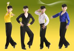 Mavi Beyaz Siyah Balo Salonu Sahne Modern Erkek çocuk Latin dans kostümleri erkek gömlek + pantolon takım Latin Dancewear Ruffly ... cheap costume dancewear boys nereden kostüm dans giysileri erkek tedarikçiler