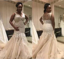 Vestido de sirena drapeado de tul online-Vestidos de novia de sirena sexy con cuello en v drapeado con cuentas de encaje sin respaldo apliques de tul vestidos de novia vestidos de novia africanos