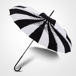 Wholesale Umbrella White - Fashion Pagoda Umbrella Victorian Wedding Straight Umbrella with Black and White Stripe Color Household Sundries Umbrellas