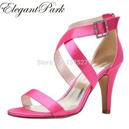 Темно-синий каблук сандалии онлайн-HP1818 женщины Peep Toe высокий каблук ремешками сандалии пряжка атласная леди невесты свадьба Пром обувь черный Слоновой Кости темно-синий розовый красный