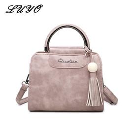 86abeb7e70d4f 2018 Handtaschen Für Frauen Handtaschen Einfache Mode Klappe Quaste Kleine  Frau Messenger Sling Ledertasche Koreanische Umhängetasche Bolsas