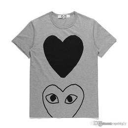 2019 camisas pretas grossistas para mulheres 2018 atacado de alta qualidade cinza quente HOLIDAY Black Heart Emoji japonês branco preto bolinhas coração branco da Marinha camiseta mulheres desconto camisas pretas grossistas para mulheres