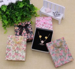 Wholesale Gift Boxes Sponges - Gift Box Jewelry Package Flower Floral Bowknot Bracelet Jewelry Boxes Mixed Colors Storage Box 7x9x3cm Black Sponge GA58