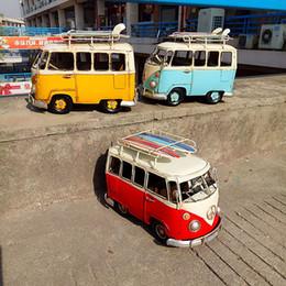Autobus en métal jouet en Ligne-Modèle de voiture en fer, autobus Volkswagen classique avec planche de surf, artisanat rétro nostalgique, pour cadeau d'anniversaire pour enfant fête, collection, décorations pour la maison