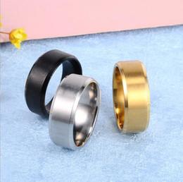 любовники кольца черный титан Скидка Мода 8 мм группа Титана стальное кольцо черное золото серебро из нержавеющей стали мужчины кольцо горячий любовник подарок большой размер