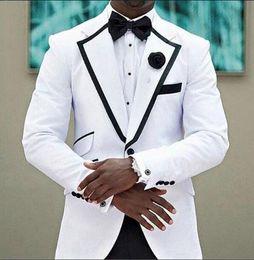 Personnaliser Smokings Blanc Marié Notch Revers Un Bouton Garçons D'honneur Blazer de Haute Qualité Hommes Affaires Formelle Prom Costume (Veste + Pantalon + BowsTie) NO: 212 ? partir de fabricateur