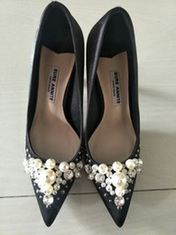 Wholesale pointy shoes - Black high-heeled shoes and American silk and satin drill by hand sewing pearls and pointy shoes 403