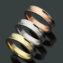 aguafuerte de acero inoxidable Rebajas Precio al por mayor de alta calidad Famous Brand Ring Jewelry Fashion 316L estilo de acero inoxidable de lujo 3 colores chapados en oro para mujeres