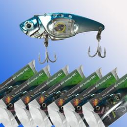 Señuelos de vibración online-Señuelos de pesca de hundimiento de vibración Señuelos de pesca de LED Nuevos cebos de señuelos de pesca / Abrazaderas Crankbaits Ganchos Minnow Baits