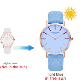 2019 montres couleur cool Sous le soleil bracelet couleur changeante montre capteur UV montre ceinture imperméable étudiant dames couleur montre cool montres couleur cool pas cher