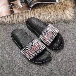 Wholesale Designer Soft Shoes - Fashion Slide Sandals Slippers 2018 New Style Women Designer Slippers Flat With Diamonds Female Summer Shoes Outside Wearing Size: 35-40